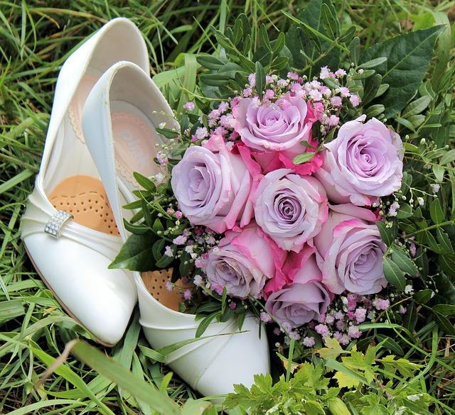 bride-712380_640
